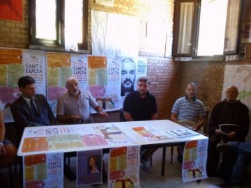 Alcuni membri del consiglio direttivo, P. Samuele e il sindaco di Grosseto in occasione della presentazione dell'edizione 2013